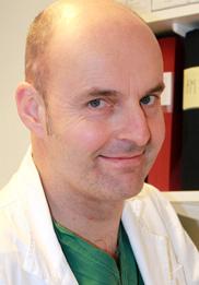 Carl Swartling, docent och överläkare, Svettmottagningen Stockholm.
