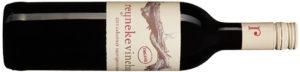 2015 Reyneke Vinehugger Cabernet Sauvignon Merlot, Sydafrika, 6455, 79 kr Ekonyhet med mynta, svarta vinbär och söt lakrits. Möter sötma i valnötter och klarar smakrikt kött.