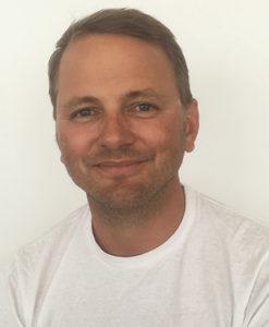 Forskaren Theo Bodin har arbetat som bartender och servitör.