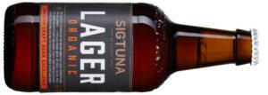 Sigtuna Lager Organic, Sverige, 1638, 19:90 kr, 330 ml Maltstinn lager som bjuder allt från humle och pomerans till rostat bröd och nyslaget gräs. Fixar indiskt gryta galant.
