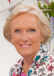 Mary Berry bedömer brittiska bakverk.