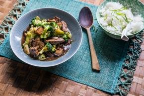 Biff och broccoli i ostronsås