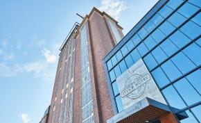 HRF kräver skadestånd av spahotell