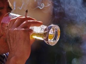 Läkare vill granska rök på uteserveringar