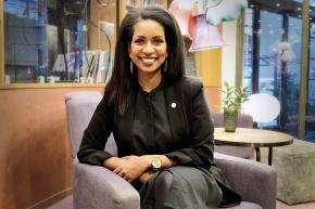 Frukostvärdinnan Amit blev hotelldirektör