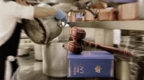 Krögare åtalas för människoexploatering