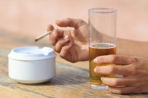 Branschanställda röker och dricker mest