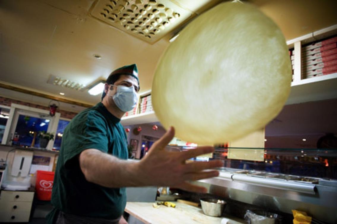 Pizzabagaren Atef  tål inte vetemjöl