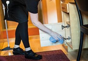 Ny forskning mäter hotellstädarnas slit